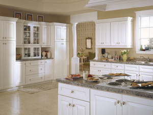 Solid-Painted-Kitchen-Cabinet-Ideas