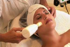 article-new-thumbnail-ehow-images-a02-19-cj-treat-hyperpigmentation-microdermabrasion-800x800
