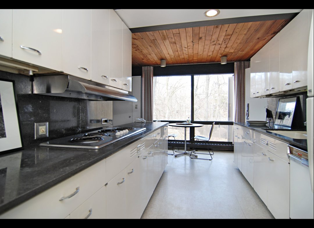 Designing a galley kitchen can be fun for Two way galley kitchen designs