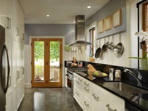make-a-small-kitchen-look-larger-ygie