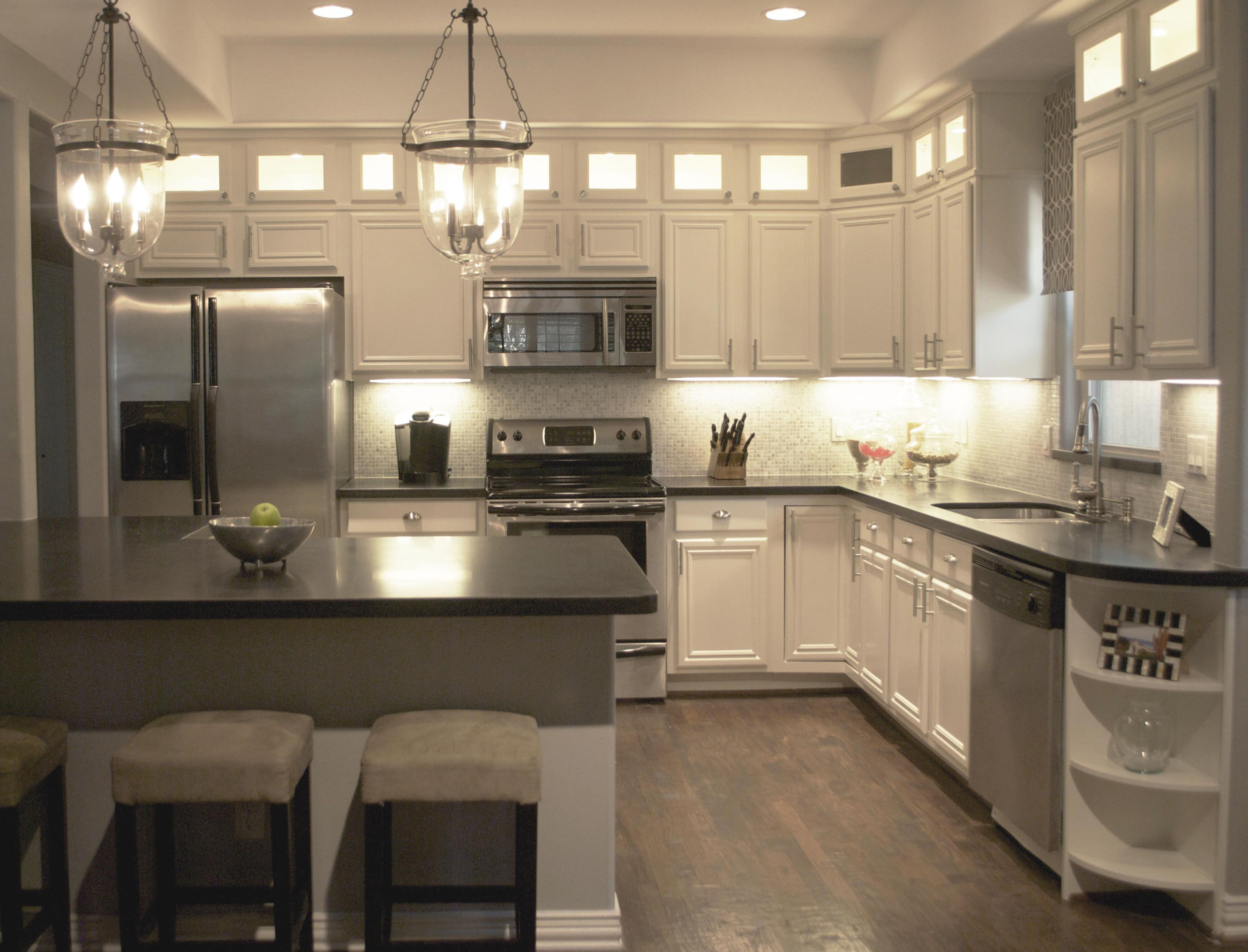 clean white themed traditional kitchen with kitchen On white themed kitchen